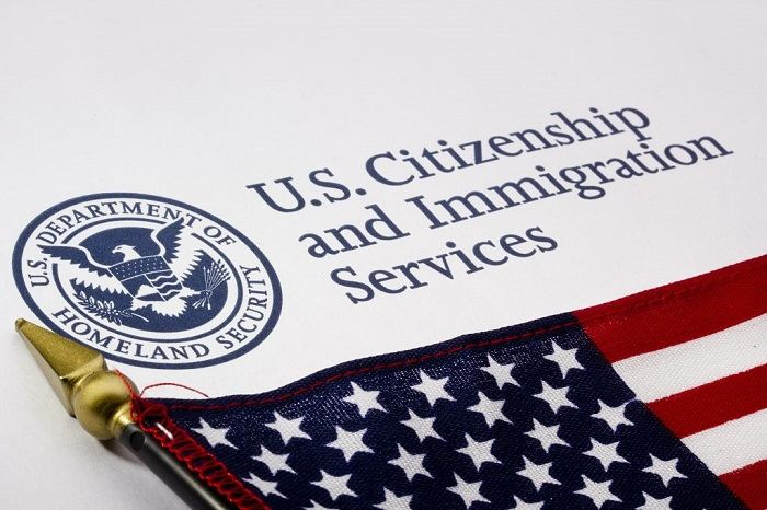 Служба иммиграции USCIS